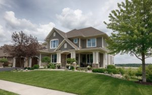 suburban house picture id984568356 1