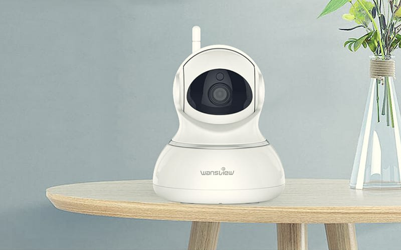 wansview-1080p-wifi-security-camera-table-plant