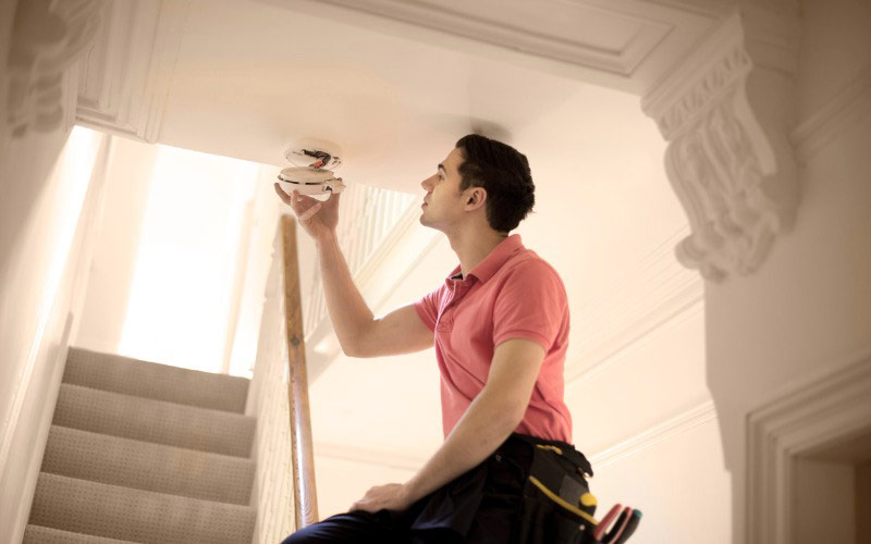 A Guide to Smoke Detector Installation and Maintenance | SafeWise