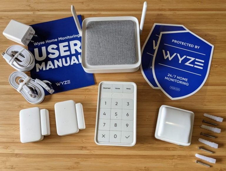 Wyze Home Monitoring items that come in the box
