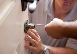 How much does it cost to install deadbolt locks?