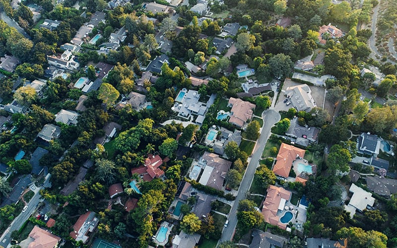 Growing Up In A Bad Neighborhood Affects Children For The Rest Of >> 8 Simple Ways To Make Your Neighborhood Safer Safewise