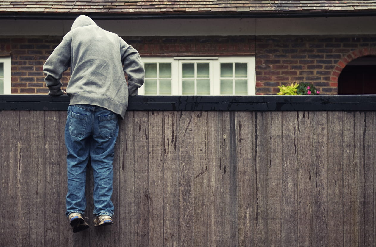 how to outsmart a burglar and keep your home safe | safewise